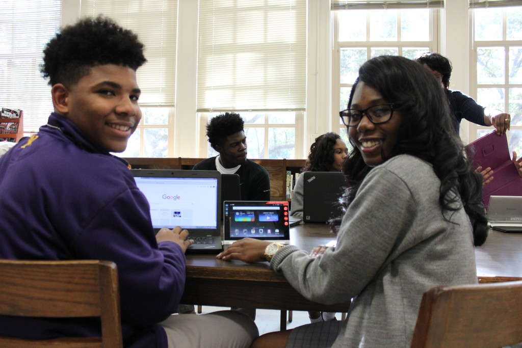 Warren Easton engineering students learn how to program mobile-phone apps